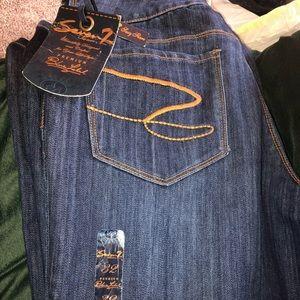 Women's Seven jeans size 32 never worn